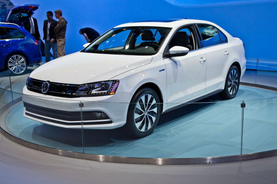 2015 Volkswagen Jetta white   Top Auto Magazine