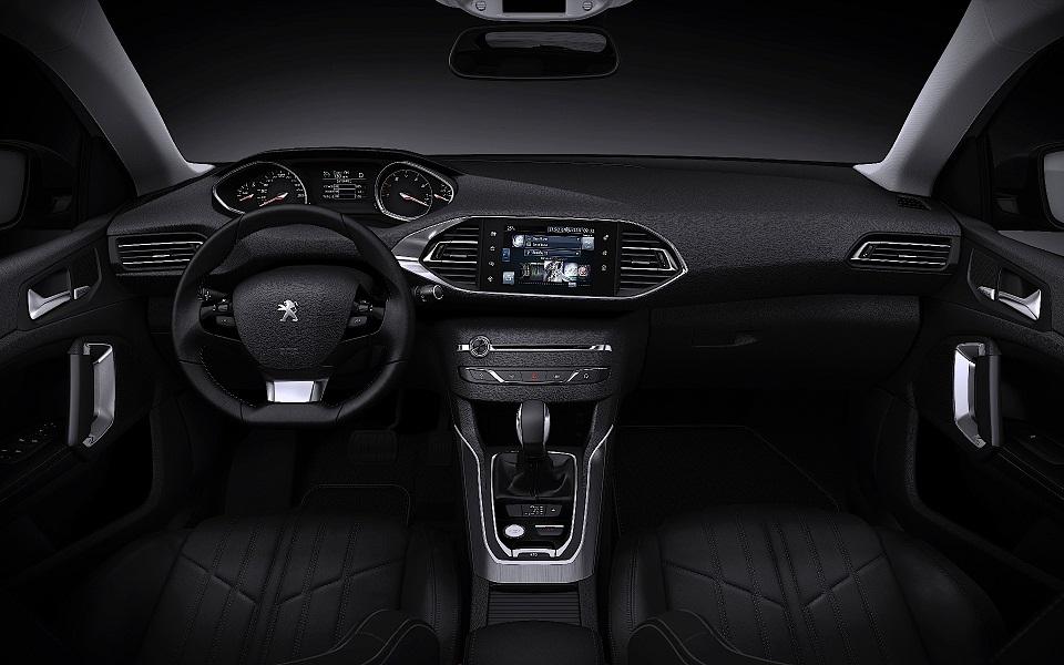 2015 Peugeot 308 SW Interior