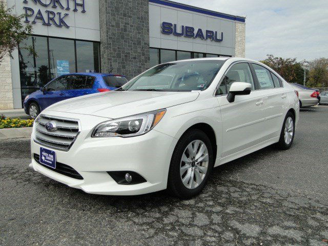 2015 Subaru Legacy White Pearl