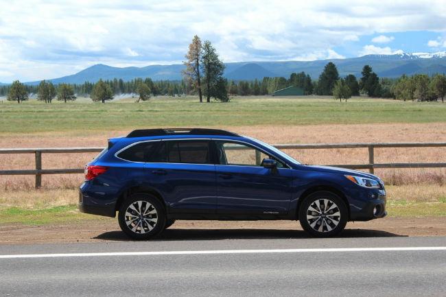 2015 Subaru Outback Blue | Top Auto Magazine