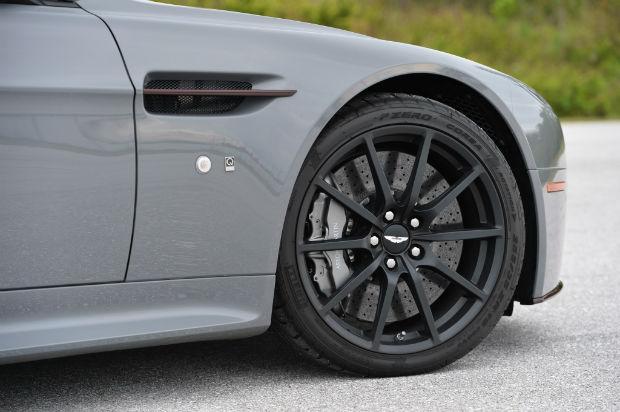 2015 Aston Martin Vantage Wheels
