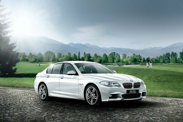 2015 BMW 5 Series Wagon Wallpaper