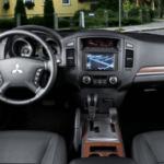 2019 Mitsubishi Pajero Interior