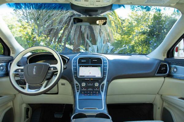 Lincoln Nautilus 2019 Interior