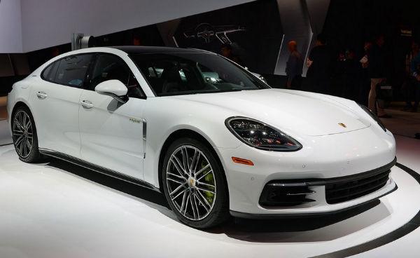 2020 Porsche Panamera Turbo