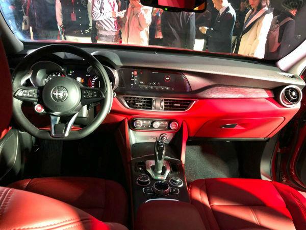 Alfa Romeo Giulia 2020 Interior
