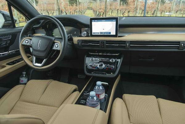 Lincoln Corsair 2020 Interior